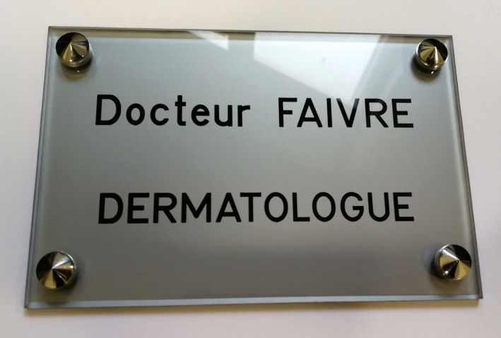 Plaque professionnelle Dermatologue